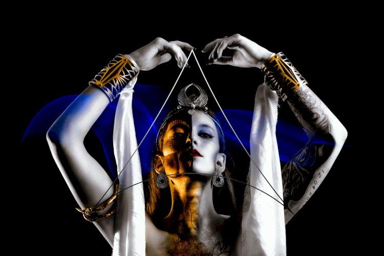 Présentation de la série « Métha Stase » par le collectif Funkographer
